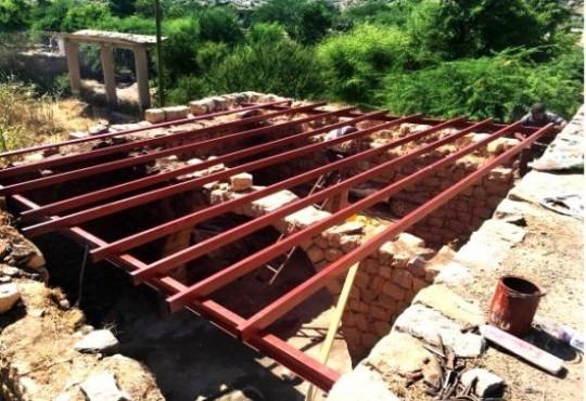 تنفيذ مشاريع صيانة البنية التحتية في مواقع استضافة النازحين في محافظتي اب وتعز